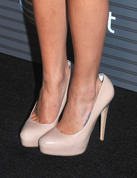 More Pics of Lea Michele Fitted Blouse (1 of 4) - Tops Lookbook - StyleBistro [footwear,high heels,human leg,leg,shoe,ankle,calf,foot,court shoe,sandal,arrivals,lea michele,los angeles,california,launch party,blackberry torch,launch party]