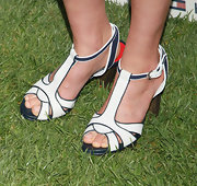 Cobie topped off her super preppy look with this pair of blue and white strappy sandals.
