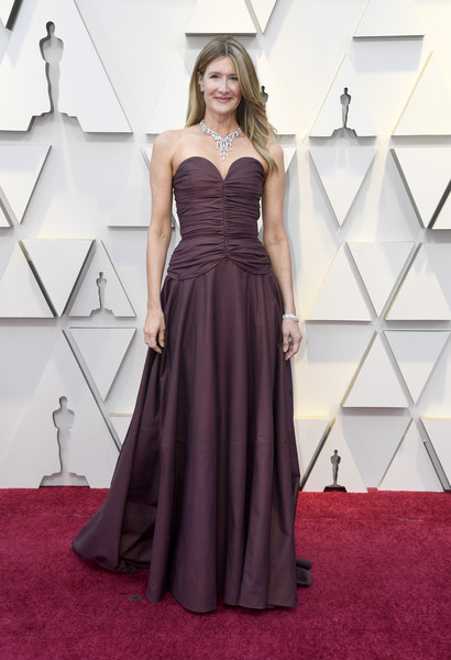 Laura Dern Strapless Dress [dress,gown,clothing,carpet,fashion model,red carpet,bridal party dress,flooring,a-line,strapless dress,arrivals,laura dern,academy awards,hollywood,highland,california,annual academy awards]