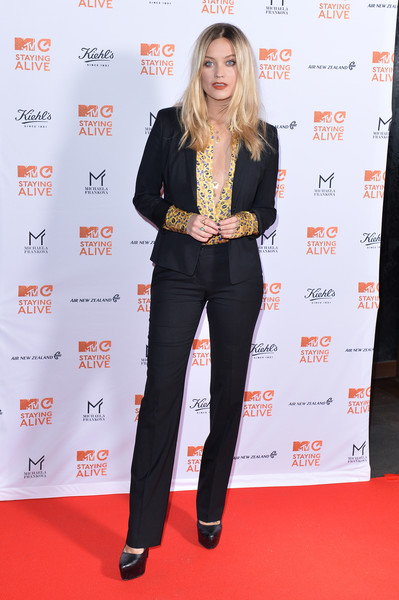 Laura Whitmore Platform Pumps [clothing,carpet,premiere,red carpet,long hair,pantsuit,event,outerwear,suit,flooring,laura whitmore,mtv staying alive gala,london,england,100 wardour street,mtv staying alive,gala]