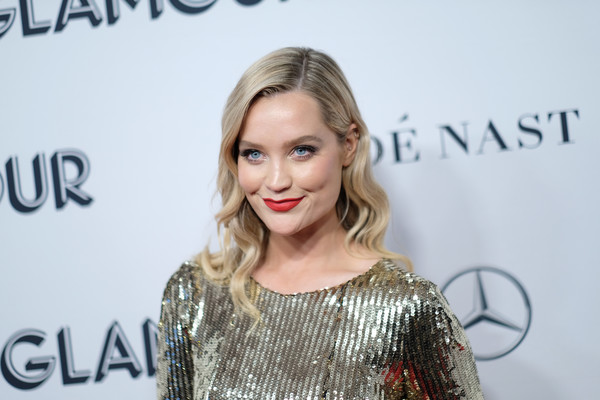 Laura Whitmore Long Wavy Cut [hair,facial expression,blond,hairstyle,lip,beauty,eyebrow,smile,shoulder,fashion,laura whitmore,cocktail,new york city,alice tully hall,glamour women of the year awards]