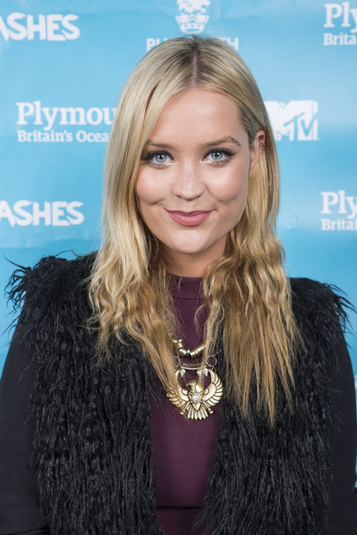 Laura Whitmore Oversized Pendant Necklace [hair,blond,hairstyle,long hair,beauty,lip,fur,layered hair,hair coloring,brown hair,laura whitmore,preparations,plymouth,plymouth hoe,england,mtv,mtv crashes plymouth]