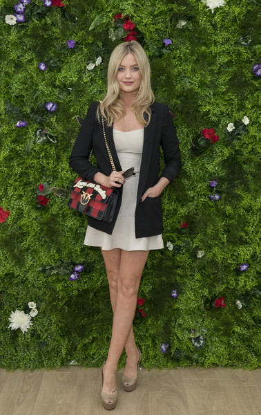 Laura Whitmore Printed Shoulder Bag [clothing,outerwear,fashion,lady,footwear,blazer,dress,leg,spring,shoe,laura whitmore,stella artois,beer,championships with official beer of the tournament,the championships,tournament,wimbledon,england,london]