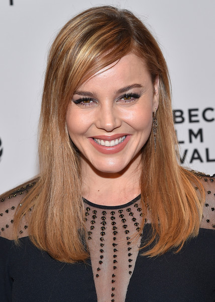 Abbie Cornish sported a straight side-parted hairstyle at the Tribeca Film Fest premiere of 'Lavender.'