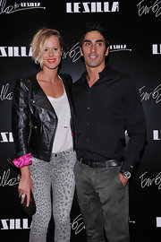 Federica Pellegrini carried a gorgeous black clamshell clutch to Le Silla Presentation.
