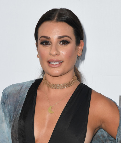 Lea Michele Gold Pendant [hair,face,eyebrow,hairstyle,beauty,chin,lip,black hair,forehead,shoulder,arrivals,lea michele,angela weiss,dodger stadium,los angeles,california,los angeles dodgers foundation blue diamond gala,afp]