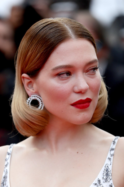 Lea Seydoux Red Lipstick [hair,face,hairstyle,lip,ear,eyebrow,chin,beauty,skin,nose,une lumiere,lea seydoux,screening,une lumiere,roubaix,cannes,france,oh mercy,red carpet,the 72nd annual cannes film festival,l\u00e9a seydoux,oh mercy,2019 cannes film festival,cannes,image,actor,photography,celebrity,film festival]