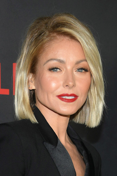 Kelly Ripa's Textured Bob