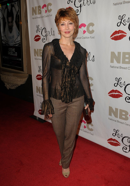 More Pics of Sharon Lawrence Layered Razor Cut (1 of 2) - Short Hairstyles Lookbook - StyleBistro [clothing,red carpet,carpet,premiere,flooring,style,sharon lawrence,les girls 9,funds,california,los angeles,national breast cancer coalition,cabaret,celebrity performances]