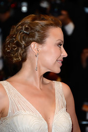 Kylie Minogue stunned with a gorgeous curly pinned updo at the premiere of 'Les Salauds.'