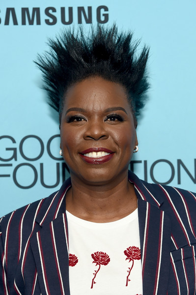Leslie Jones Spiked Hair [hair,hairstyle,forehead,jheri curl,black hair,s-curl,smile,afro,america - arrivals cocktail reception,leslie jones,an evening of comedy music benefit,carnegie hall,new york city,good foundation,samsung electronics,samsung electronics america,good foundation?s evening of comedy music benefit]