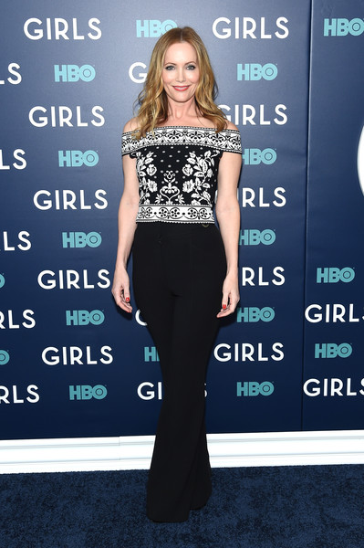 Leslie Mann Off-the-Shoulder Top