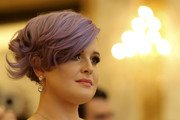 Kelly Osbourne worked a short, lavender-dyed 'do at the Life Ball 2015 press conference.