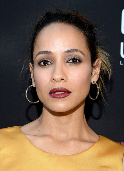 Dania Ramirez went for edgy styling with this twisted bun at the premiere of 'Devious Maids' season 4.
