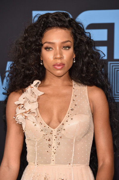Lil Mama Long Curls [hair,fashion model,clothing,hairstyle,beauty,fashion,lady,shoulder,lip,dress,arrivals,lil mama,bet awards,microsoft square,los angeles,california]