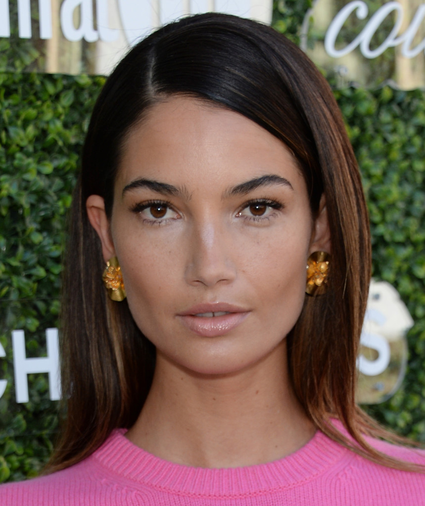 lily aldridge long side part - lily aldridge long hairstyles looks
