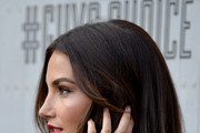 Lily Aldridge gold-ring