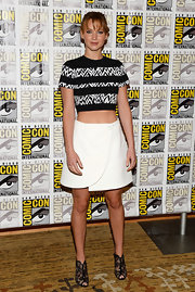 Jennifer's black and white printed crop top revealed a fun zebra-type print.