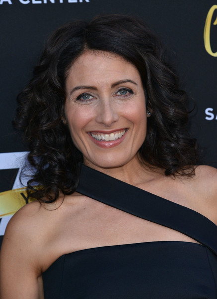 Lisa Edelstein Medium Curls