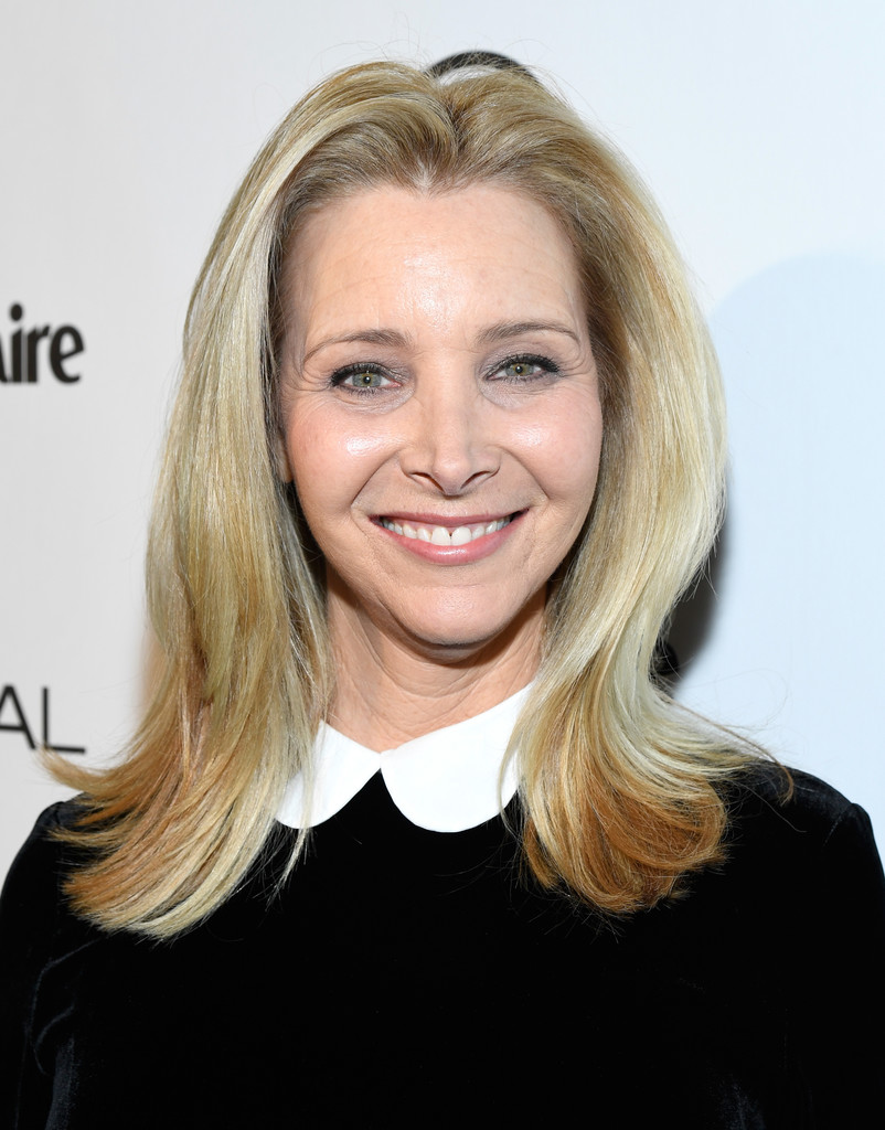 Lisa Kudrow Flip Shoulder Length Hairstyles Lookbook