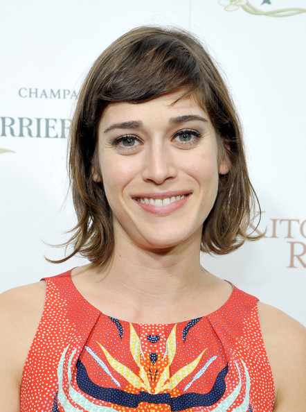 Lizzy Caplan Short Cut With Bangs