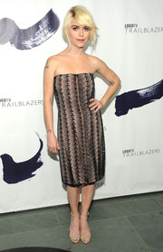 Taryn Manning was modern-glam in a patterned strapless dress by Rita Vinieris during the Logo TV Trailblazers event.