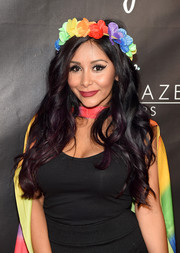 Nicole Polizzi was gorgeously coiffed with long, lush waves at the Trailblazer Honors 2016.