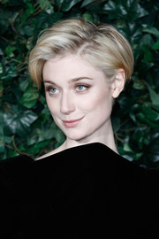 Elizabeth Debicki looked cute with her mussed-up hair at the London Evening Standard Theatre Awards.