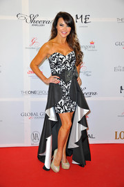 Lizzie Cundy glammed it up in a strapless black-and-white fishtail dress during the London Global Gift Gala.