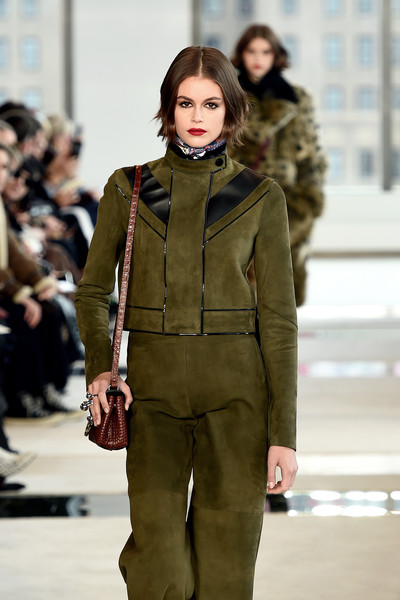 More Pics of Kaia Gerber Suede Jacket (1 of 3) - Outerwear Lookbook - StyleBistro [longchamp fw20 runway show,fashion show,fashion model,fashion,runway,clothing,street fashion,fur,outerwear,human,public event,kaia gerber,hudson commons,runway,new york city,longchamp fw20,show,kaia jordan gerber,runway,fashion show,new york fashion week,model,fashion,fashion week,clothing,elle,supermodel]