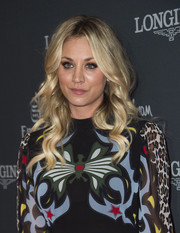 Kaley Cuoco looked pretty as a doll with her bouncy blonde curls at the Longines Masters Gala.