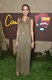 Nicole Richie was sleek and sophisticated in a gold knit maxi dress at the premiere of 'Camping.'