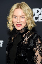 Naomi Watts framed her beautiful face with a short wavy 'do for the New York premiere of 'The Loudest Voice.'