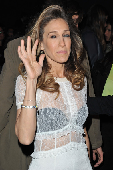More Pics of Sarah Jessica Parker Long Curls (4 of 28) - Sarah Jessica Parker Lookbook - StyleBistro