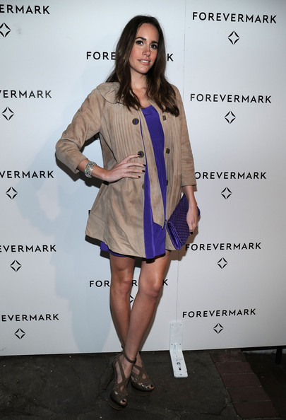 Louise Roe Trenchcoat [clothing,fashion,fashion model,dress,cocktail dress,fashion design,outerwear,footwear,leg,street fashion,braclet,michelle williams,nominee,louise roe,forevermark hosts private dinner to honor academy award,diamond,forevermark,academy award,chateau marmont,dinner]