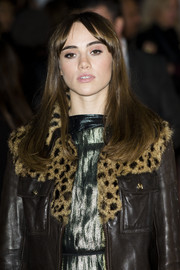 Suki Waterhouse wore her hair down with center-parted bangs at the 'Love, Rosie' premiere.