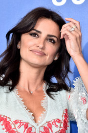 Penelope Cruz also accessorized with some stackable rings.