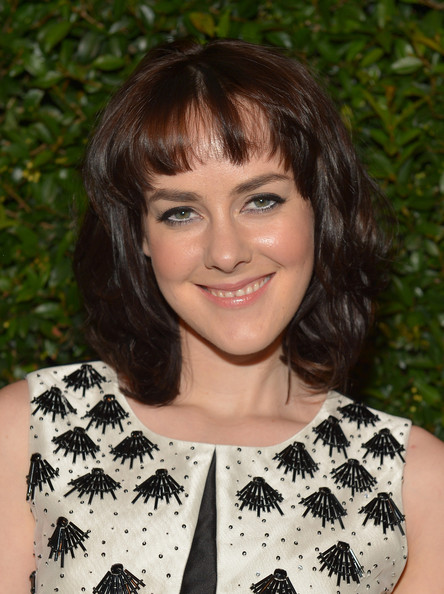 Jena Malone looked mature and sophisticated with a choppy layered cut.