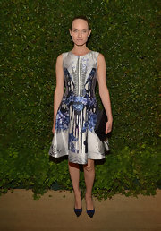 Amber Valletta's printed frock had a modern touch with its bold and daring print, but it still looked totally feminine with its class A-line shape.