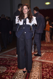 Eleonora Carisi completed her outfit with a pair of peaked pumps.