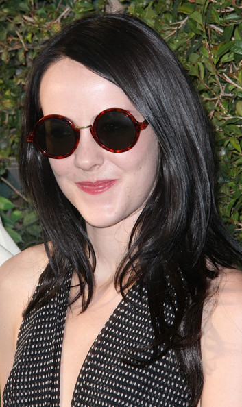 Jena Malone hid her eyes behind a pair of red-rimmed tortoiseshell shades.