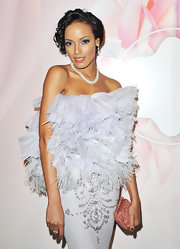 Selita Ebanks was the picture of perfection carrying a petite rose clutch.