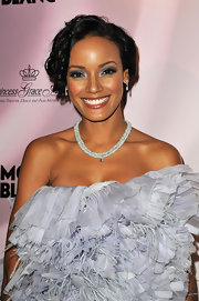 Selita Ebanks dazzled with her flirty and feminine updo at The Princess Grace Awards Gala. Her hair was loosely pinned up and a few spiral tendrils framed her face.