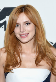 Bella Thorne wore her hair loose with subtly wavy ends when she attended the MTV 2015 Upfront Presentation.