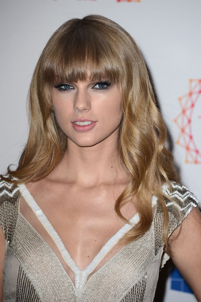More Pics of Taylor Swift Long Wavy Cut with Bangs (4 of 9) - Taylor Swift Lookbook - StyleBistro