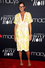 Jenna Lyons looked summery in a printed tunic dress while attending Fashion's Front Row.