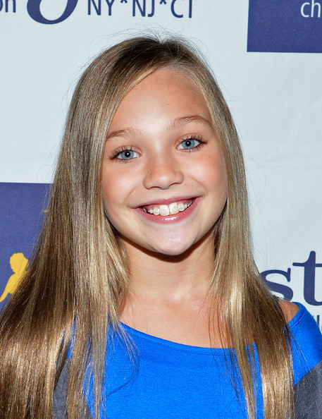 Maddie Ziegler Long Straight Cut [dance moms fan meet and greet benefiting starlight childrens foundation,dance moms,hair,face,hairstyle,blond,eyebrow,beauty,long hair,chin,hair coloring,brown hair,maddie ziegler,new york city,stoopher boots,starlight childrens foundation,meet]