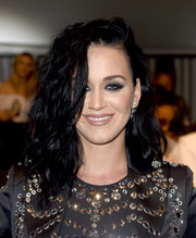 Katy Perry amped up the rocker-glam vibe with a smoky eye.