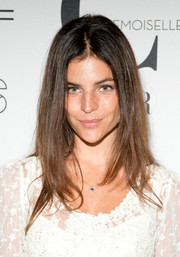 Julia Restoin-Roitfeld wore her hair in her usual center-parted style during the 'Mademoiselle C' premiere.