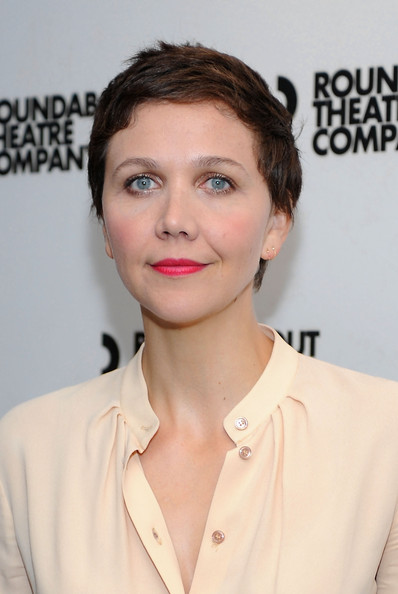 Maggie Gyllenhaal Pixie [the real thing,cast photo,hair,face,hairstyle,eyebrow,lip,skin,chin,beauty,forehead,cheek,maggie gyllenhaal,new york city,broadway,roundabout theatre company,cast photo call]